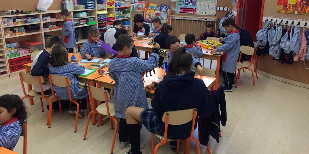 Educacio Secundaria Antencio Divertsitat Escola Montserrat