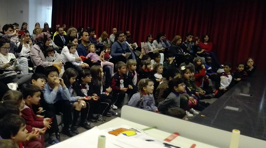 Story time a la biblioteca de Rubí Escola Montserrat