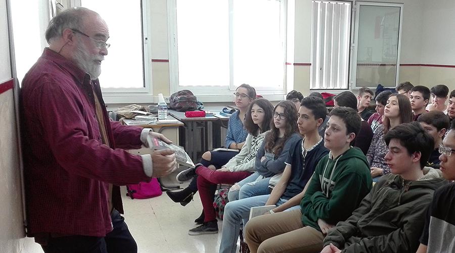 Visita escriptor Josep-Francesc Delgado Escola Montserrat